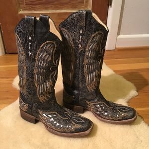 Corral Vintage black leather silver cross boots